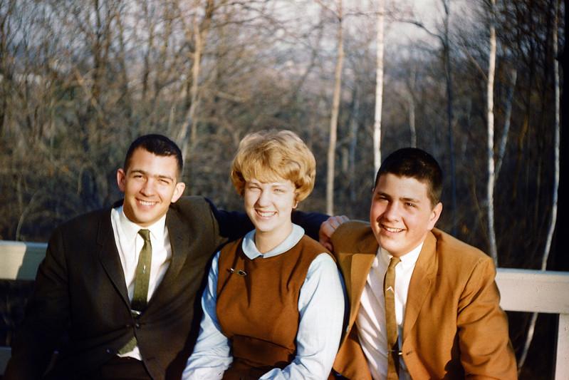 1962 John, Sue & Greg.jpg