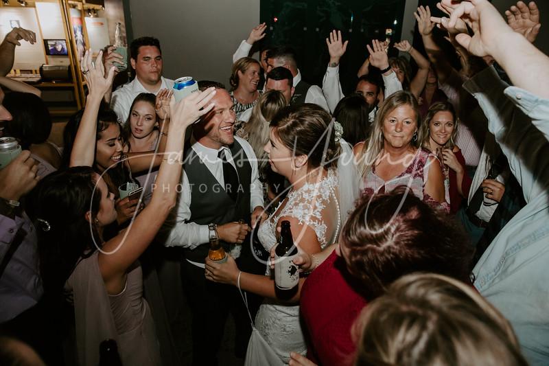des_and_justin_wedding-2126-4.jpg