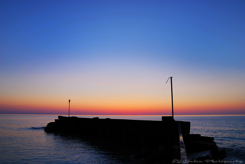 June 6th, 2008 - I waited for the sunset while at the beach. This is a moment of peace that I wish for everybody.