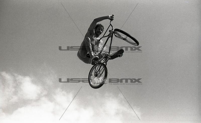 1984-River Jump315.jpg