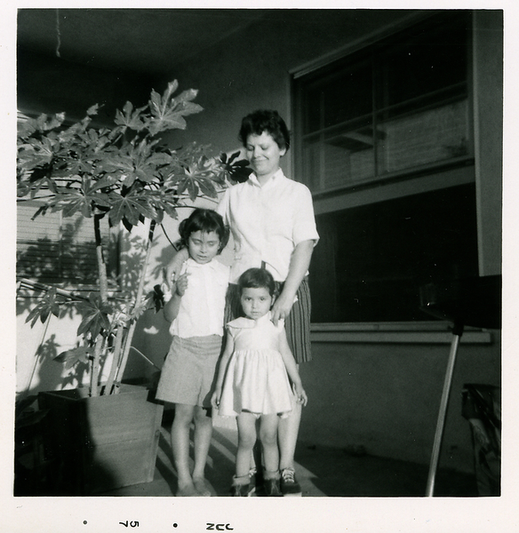 1957-06-young-family-kathies-mich-n-mom.png