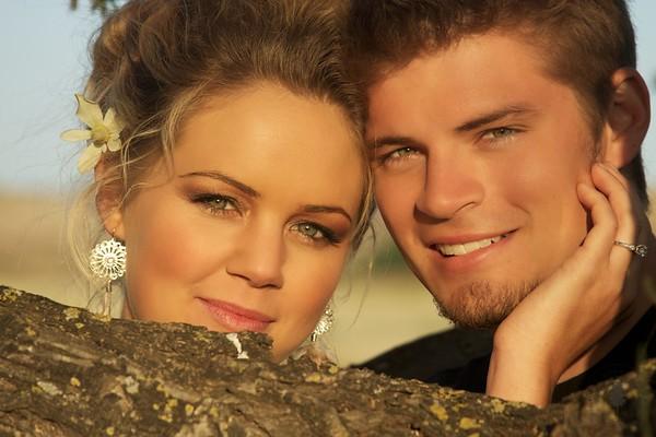 Leslie & Zack's Engagement Photos