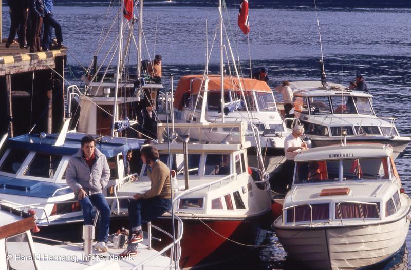 Like før avgang på Narvik båtforenings årlige Pinsekonvoy.  Sted: Mellom Pir 2 og fløttmannskaia.