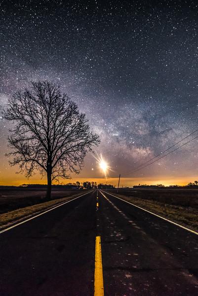 Jupiter rising along a county road