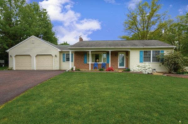 732 County Line Rd, Telford, PA