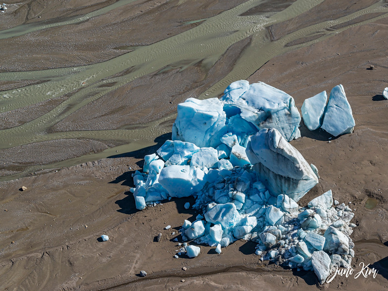 Rust's_Beluga Lake__6100815-2-Juno Kim.jpg