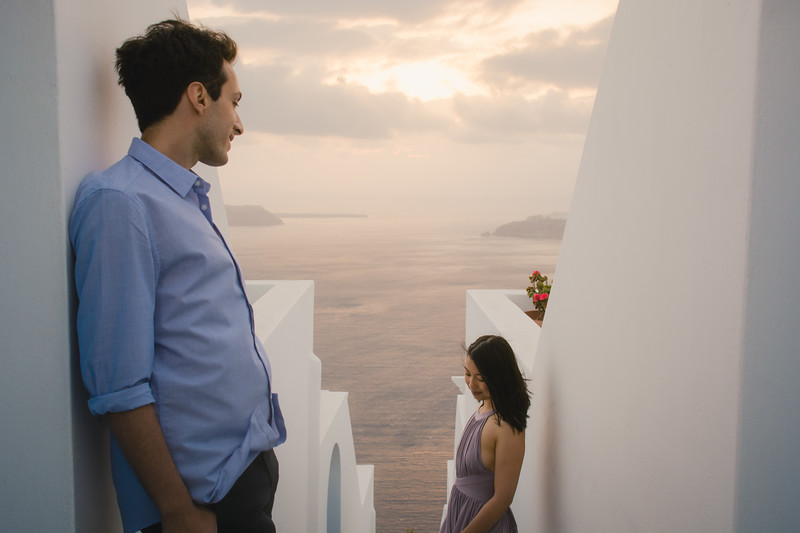 Santorini-photo-session-greece-engagement-shoot-love-story-006.jpg