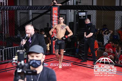 Justin Vazquez (W) vs Matt Skibicki