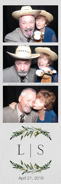 ELP0421 Lauren & Stephen wedding photobooth 38.jpg