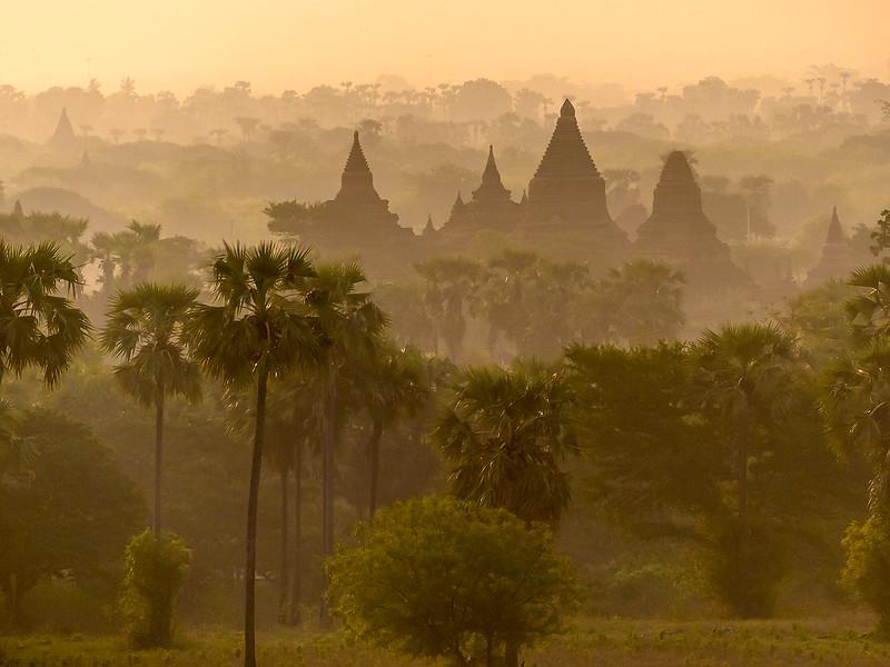 Myanmar Bagan Temples_P1170710.jpg