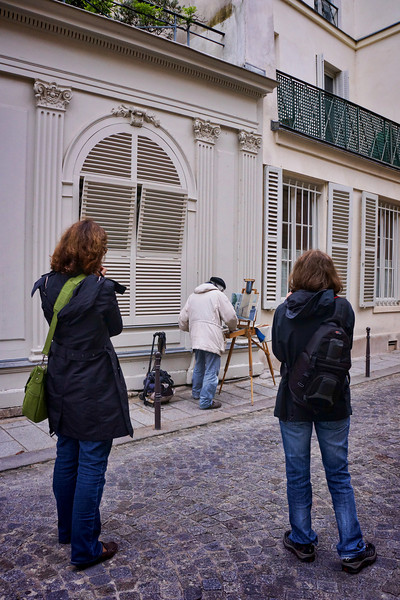 Paris painter w photogs 1123.jpg
