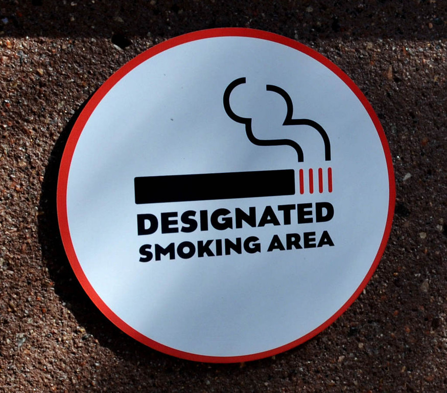 . A few of the 18 designated smoking areas are on Machinery Hill and four are in and outside the Grandstand.(Pioneer Press: John Doman)