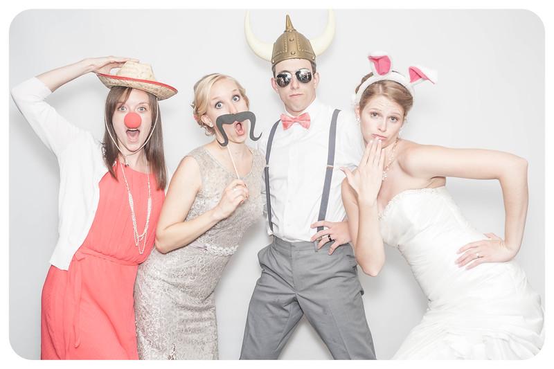 Laura+Ross-Wedding-Photobooth-114.jpg