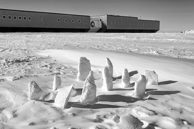 South Pole -1-4-1s8075970.jpg