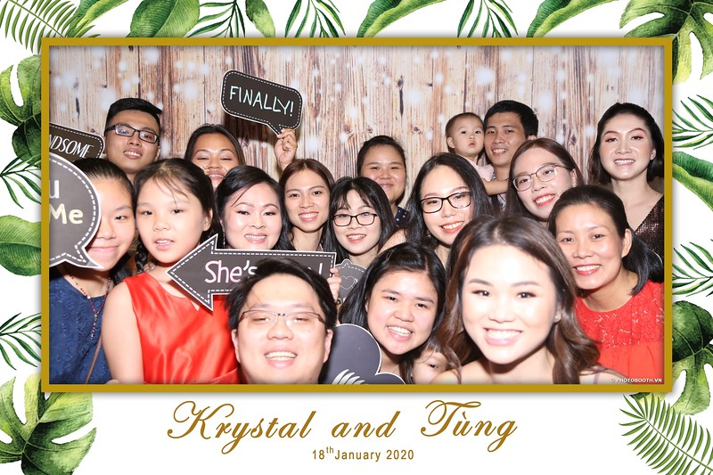 Krystal-Tung-wedding-instant-print-photo-booth-in-Ho-Chi-Minh-City-Chup-hinh-lay-lien-Tiec-cuoi-WefieBox-Photobooth-Vietnam-050.jpg