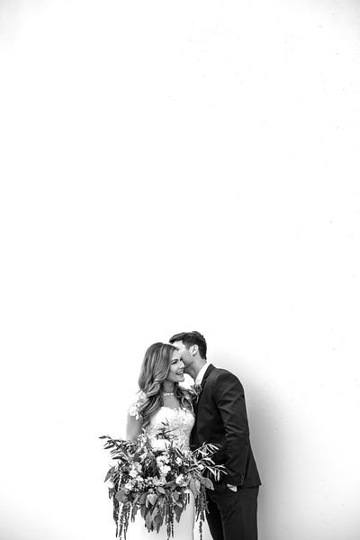 Kate&Josh_B&W_ZACH.WATHEN.PHOTOGRAPHER-233.jpg