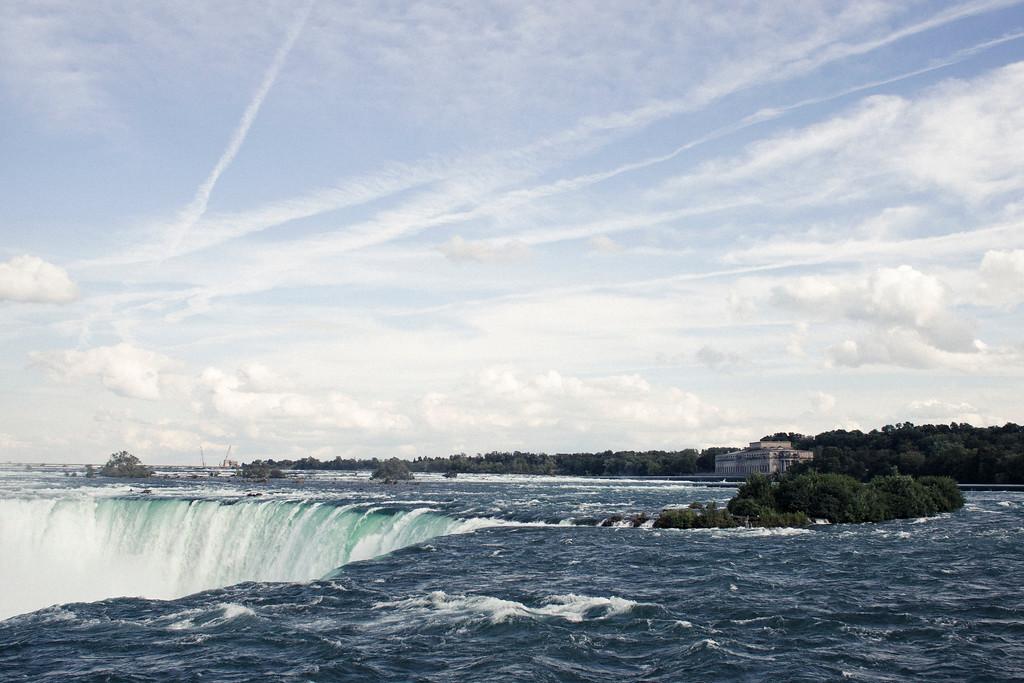 alexandergardner-Niagara-20110823-23