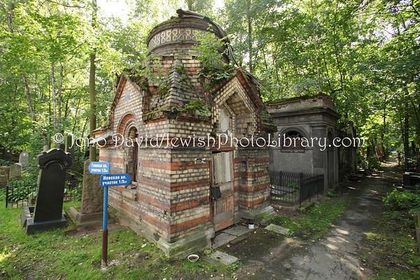 RUSSIA, St. Petersburg. Jewish Cemetery. (8.2011)