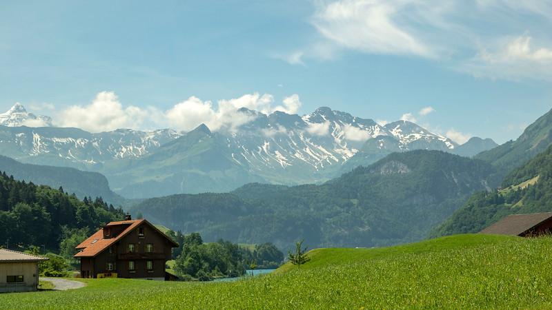 Switzerland-Train-to-Zurich07.jpg