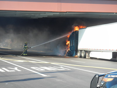 Truck Fire 83 and Throndale 9-20-17
