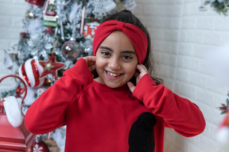 12.18.19 - Vick's Christmas Photo Session 2019 - -69.jpg