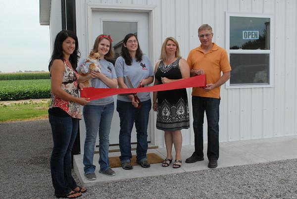 07-21-17 NEWS Country dog salon