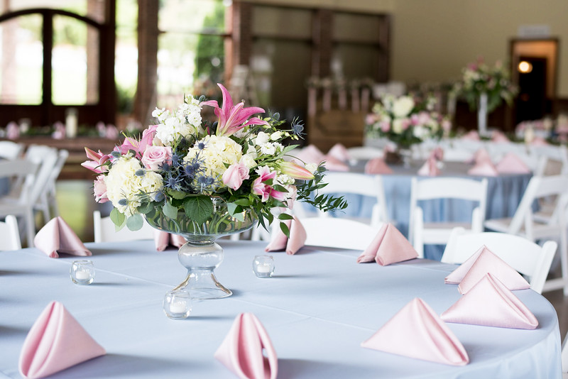 reception-table-setting-napkins.jpg