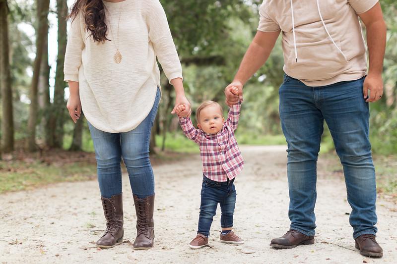 Holiday Minis- Acosta Family-48.jpg