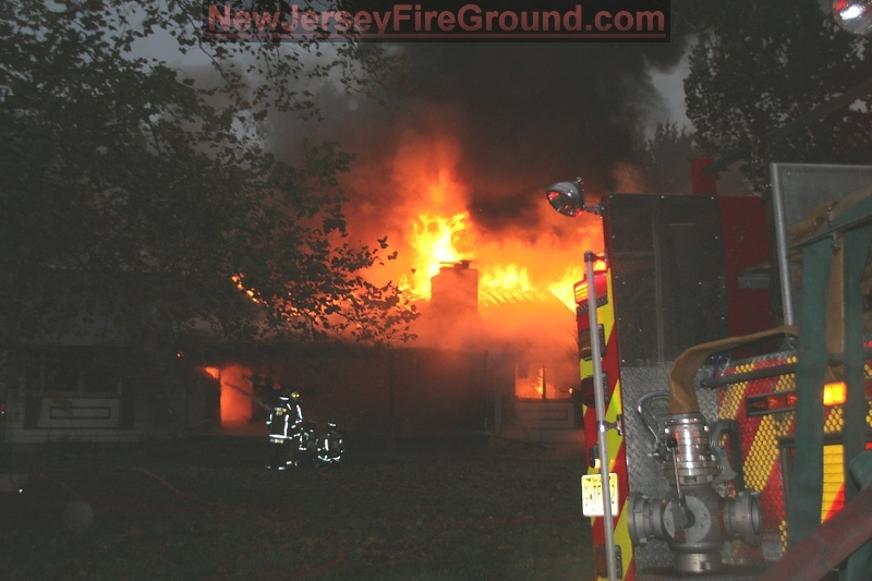 10-27-2011(Camden County)WINSLOW TWP -64 Taunton Rd All Hands Dwelling