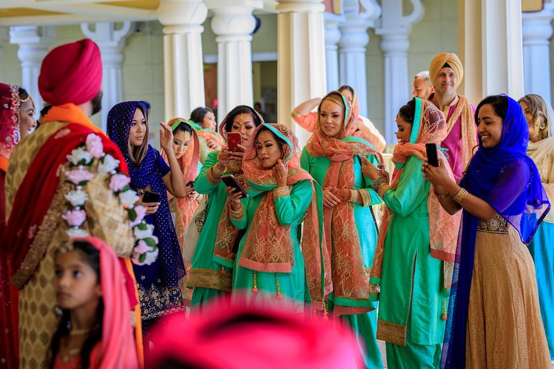 Neelam_and_Matt_Gurdwara_Wedding-1540.jpg