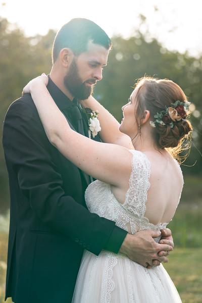rustic_ohio__fall_barn_wedding-323.jpg