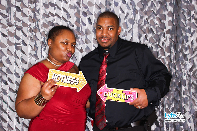 red-hawk-2017-holiday-party-beltsville-maryland-sheraton-photo-booth-0130.jpg