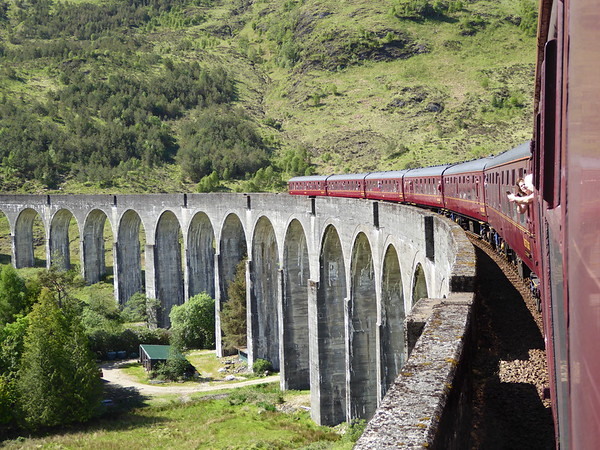08-Jacobite Steam Train