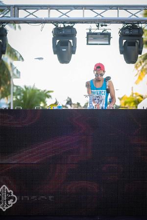 2012-11-24 Miami - White Sunset @ Palace