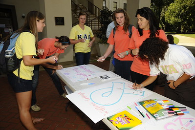 Sororities Get Well Card Signing