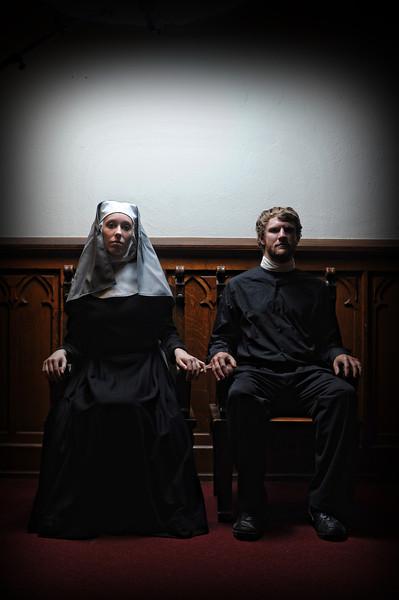 kyle-cassidy-curio-theatre-september-2012-runner-stumbles-003.jpg