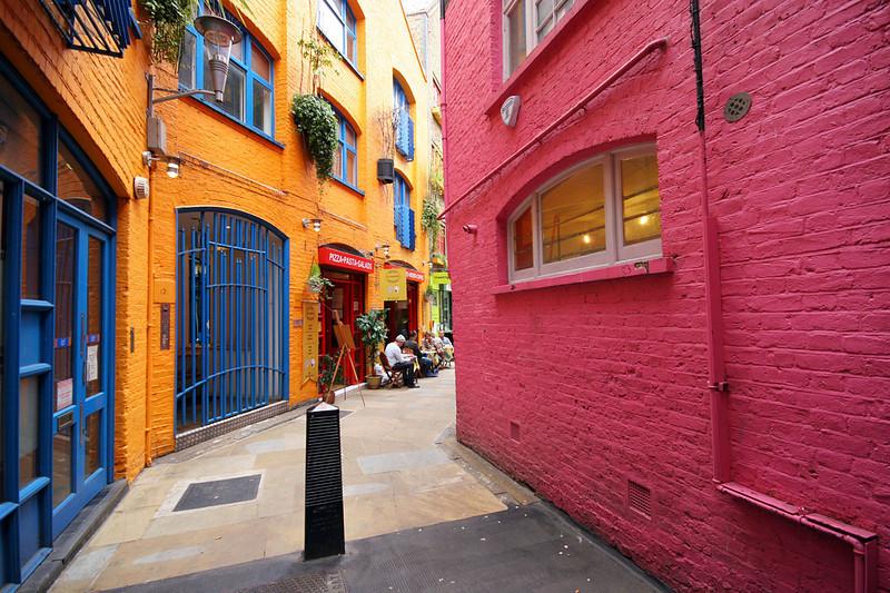 73_London_Covent_Garden_Street.jpg