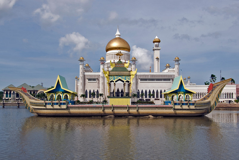 Mosque and boat 4 - Brunei