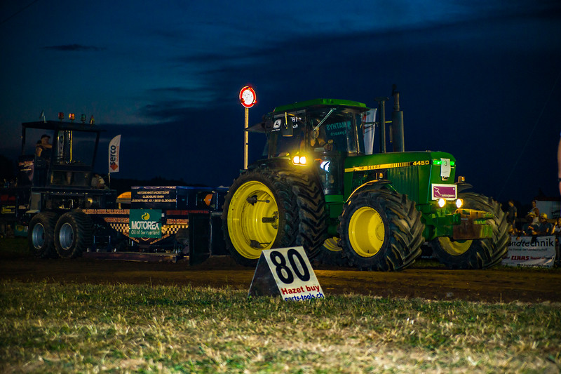 Tractor Pulling 2015-01755.jpg