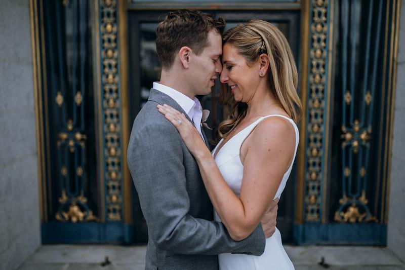 2018-10-04_ROEDER_EdMeredith_SFcityhall_Wedding_CARD1_0254.jpg