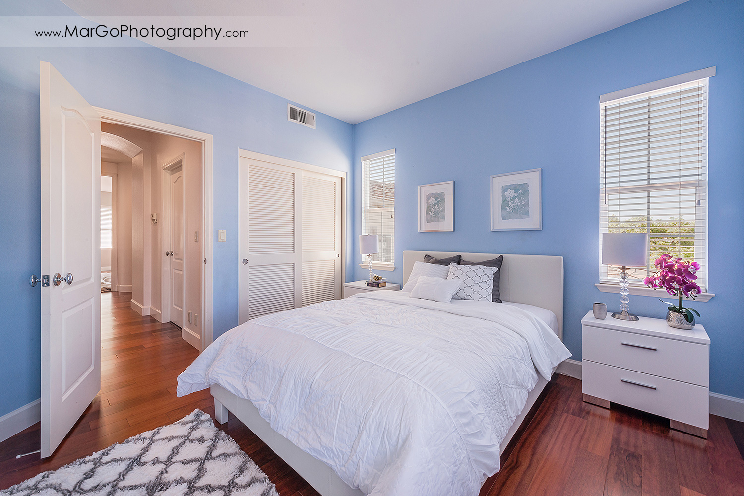 blue bedroom in San Ramon house - real estate photography