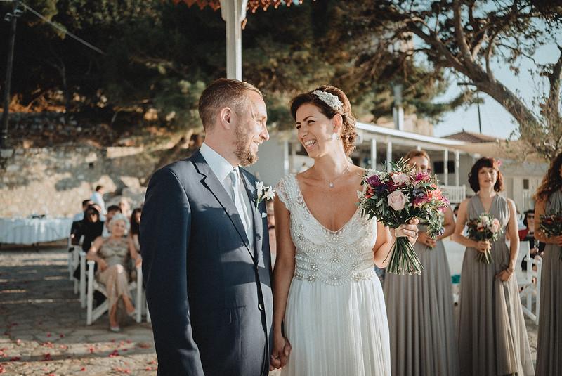 Tu-Nguyen-Wedding-Photography-Hochzeitsfotograf-Destination-Hydra-Island-Beach-Greece-Wedding-105.jpg