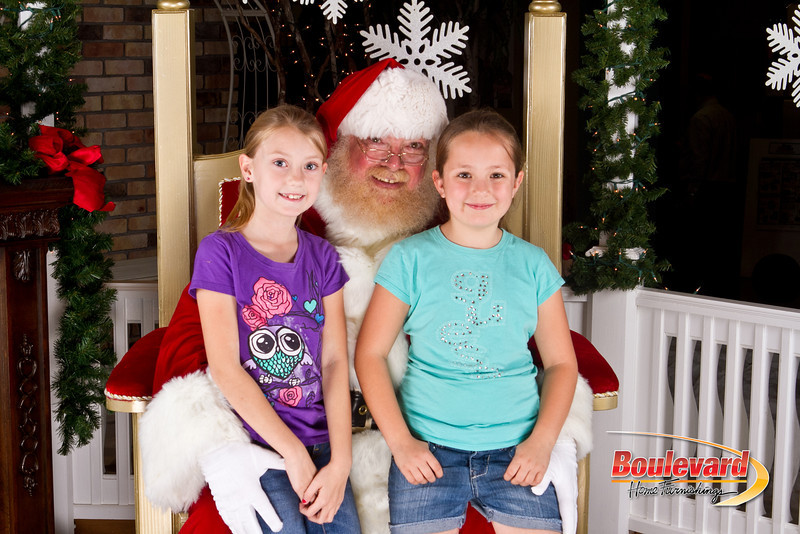 Santa Dec 8-257.jpg