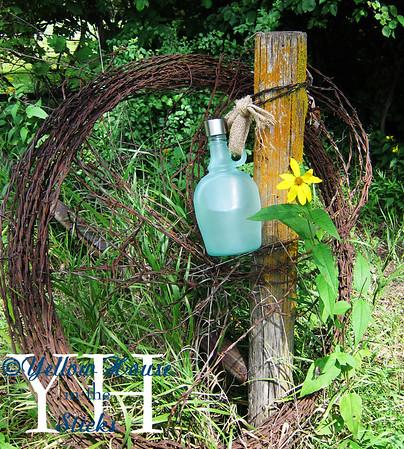 Jug O'Wine Solar Lantern
