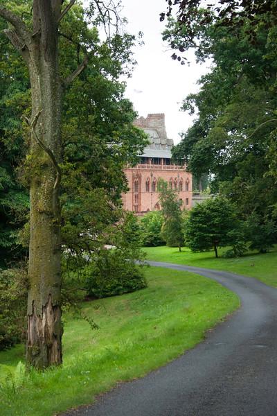 Path to Mount Stuart House