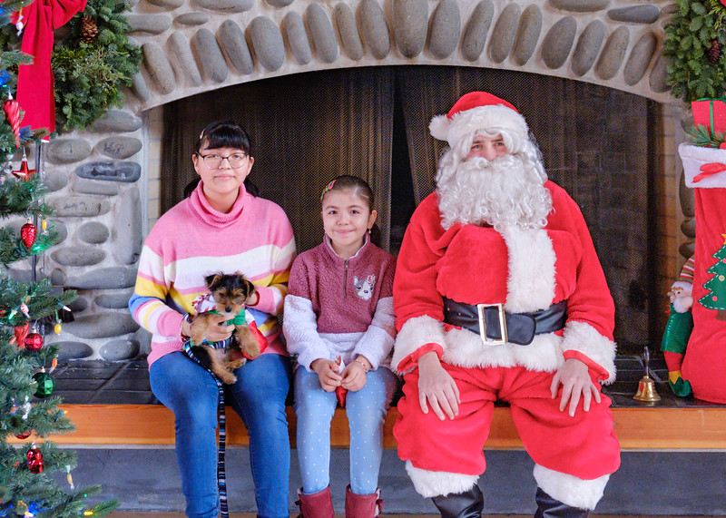 CB Santa 2019-7611.jpg