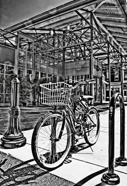 findlay market bike 2_HDR2_BW.jpg