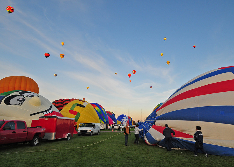NEA_5566-7x5-Balloons.jpg