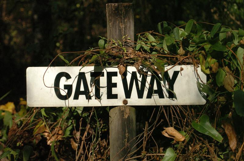 GATEWAY = RS-15 - 930m