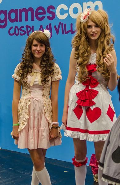 Cosplaying girls @ Gamescom 2012